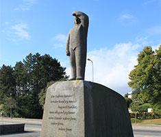 CAT_Kunst_Charlottenlund_Knud-Rasmussen-statue