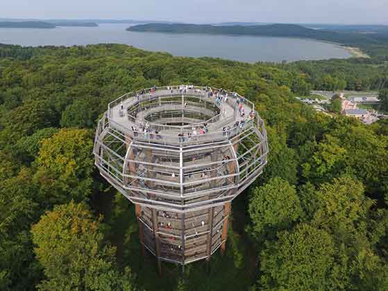 FET_Rejsereportage_NEZR_Treetop_walk_viewing_tower_view-to-the-Kleiner-Jasmunder-Bodden_2015_c_Ralf_Eppinger_pm