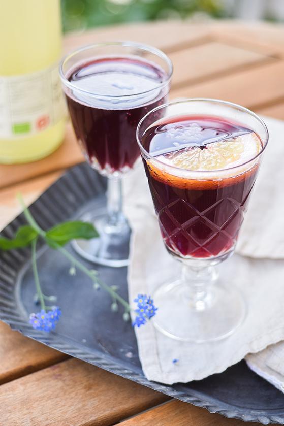 FET_SanktHans_Af-Julie-Karla-drink-2