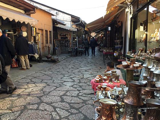 FET_Sarajevo_Sarajevos-gamle-bydel-Bascarsija-er-fuld-af-fine-bazargader