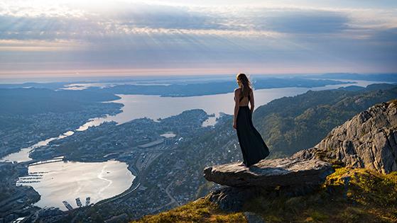 FET_Fra-bjerget-Ulriken-er-der-den-mest-fantastiske-udsigt-ned-over-byen.-Foto--Bergen-Reiselivslag