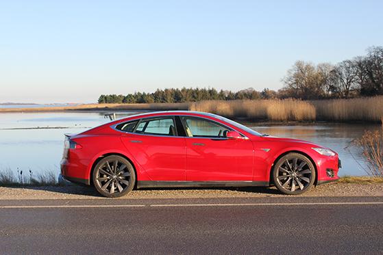 Tesla 4 copy