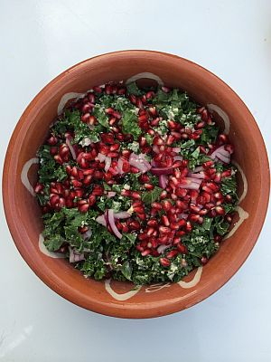 Kål med granatæbler og dressing Kale is King WEB ny