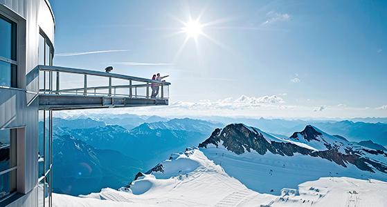 FET_Østrig_Liebhaverboligen_rejser_Skiferie_Udsigt fra terrassen på Kitzsteinhorn-gletsjeren