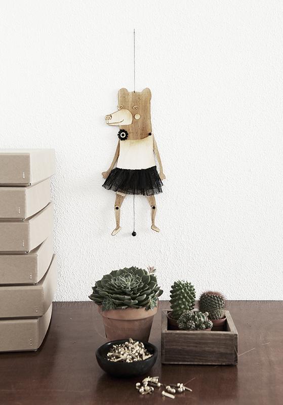 FET_Strups_woodbear_girl