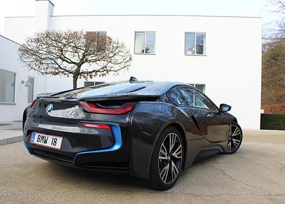 FET_Liebhaverboligen_Liebhaverbilen_BMW_Stort billede i8