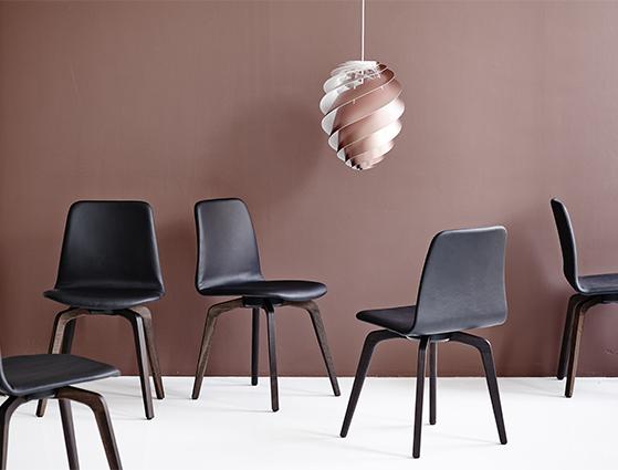 FET_dk3_Co-Pilot Chair_Smoked Oak_Black_Styled_2.jpg