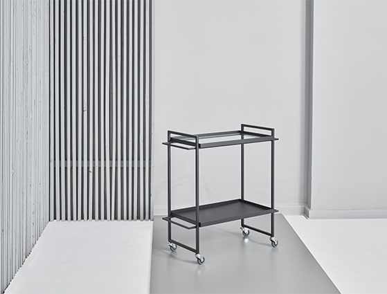FET_DesignCircus_Boligindretning_design_7.KristinaDamStudio-SS16_bauhaus_trolley_black_greybackground kopi
