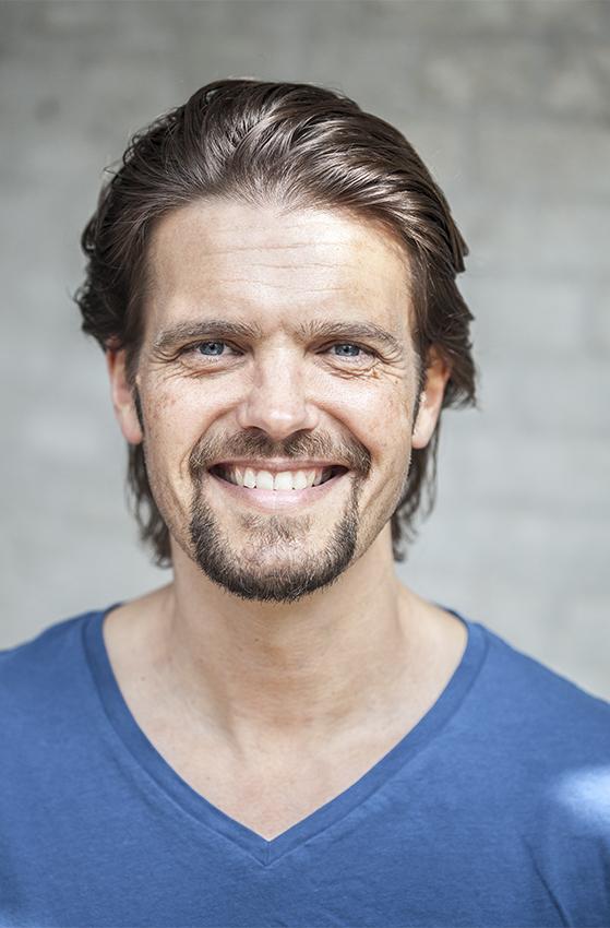 FET_Tomas Ambt Kofod_Teater_TTAK - glad (Jesper Paasch)