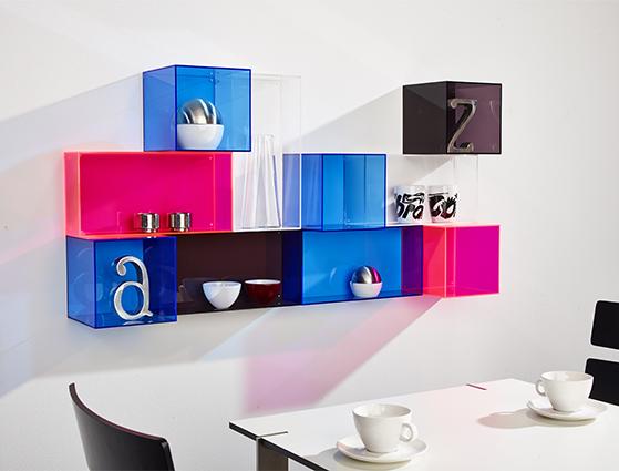 FET_Akryl_Møbler_reoler_Boligdesign_vægbokse i køkken