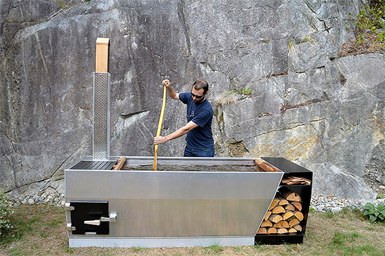 FET_Mandesager_Soak-Outdoor-Wood-Fired-Hot-Tub