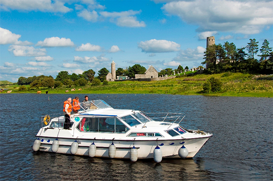 FET_rejseguide_Irland_clonmacnoise