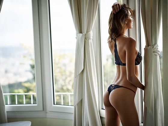 FET_Lingerie_Andres-Sardastring_ny