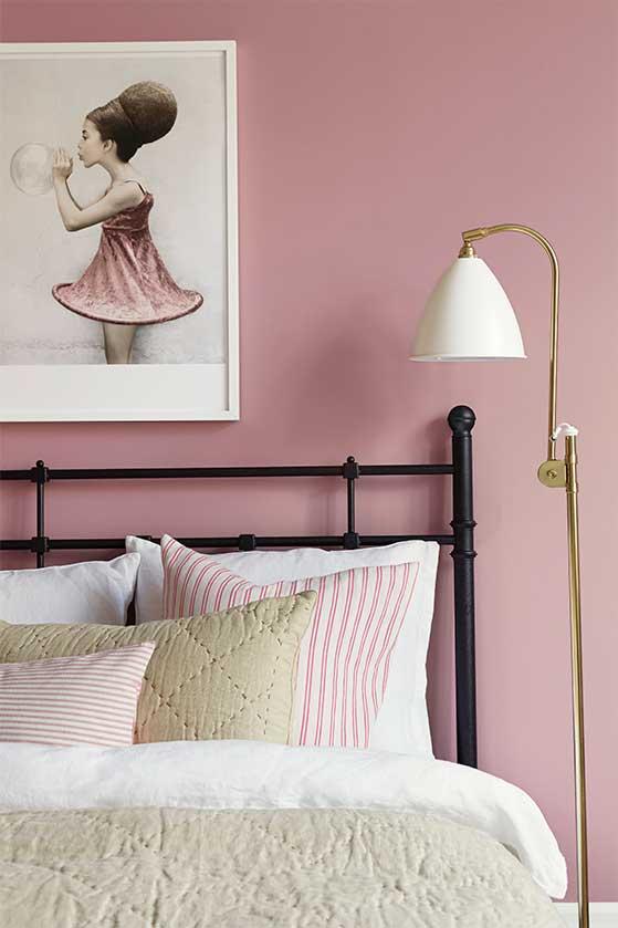 FET_Rosa_Moebler_Boliginspiration_deeprose_bt_pigment_bedroomblack_detail2