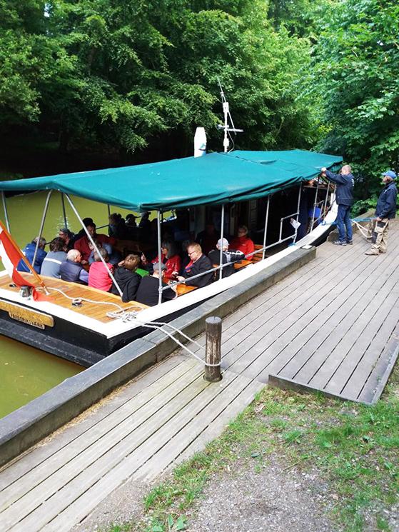 FET_Baadfart_fyldt-båd-768x1024