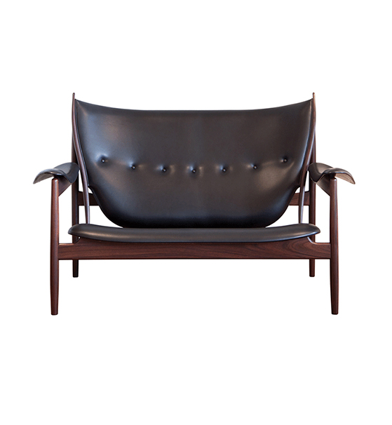 FET_Sofaer_chieftain-sofa_black_walnut_main