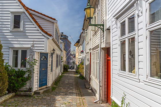 FET_Bergens-fine-bykvarterer-med-stejle-gader-indbyder-til-hyggelige-gå-ture.-Foto-Bergen-Reiselivslag
