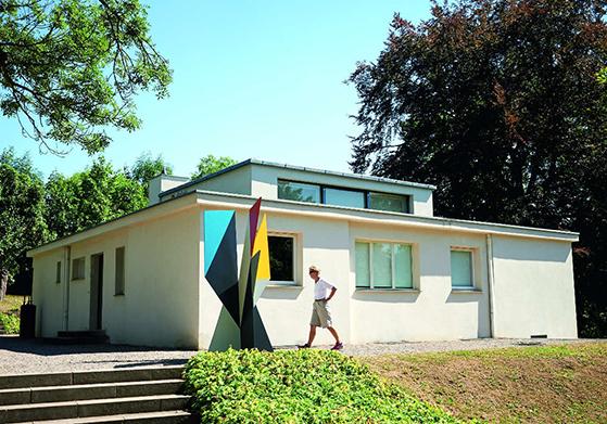 FET_Haus-am-horn,-der-blev-færdig-i-1923-og-er-Bauhaus'-første-prototype-hus.